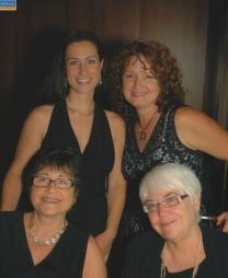 Con Amy, Michelle y Alma Flor en el crucero en el Caribe