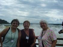 En Iguazu con Pilar y Alma Flor